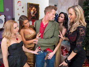 Brandi Love, Lexi Belle, Madison Ivy and Veronica Avluv - Naughty Office